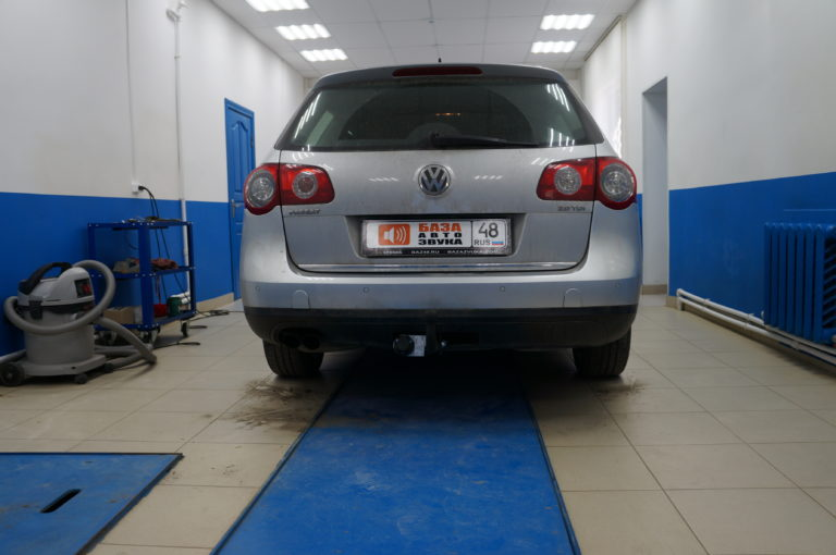 VW Passat <br>  установка фаркопа