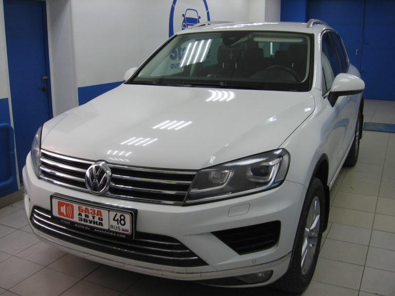 VW Touareg 2015 установка фаркопа