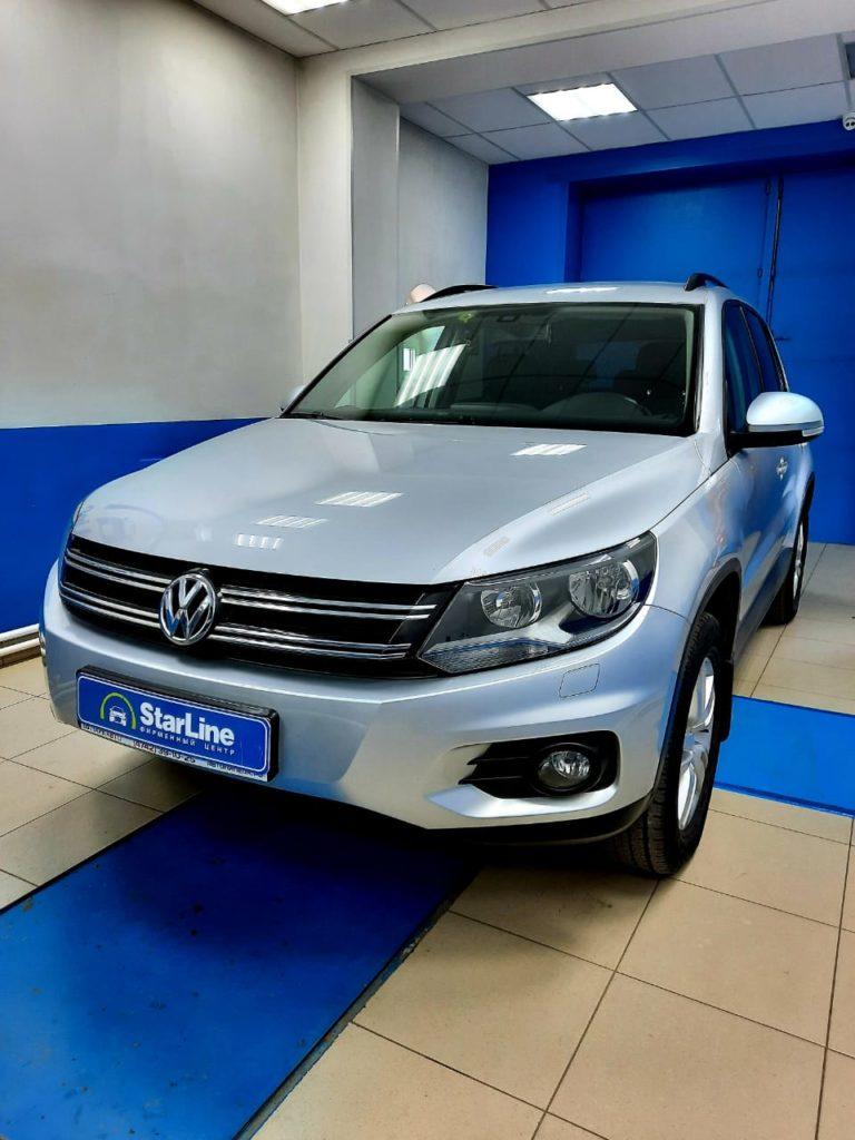 VW Tiguan 2015 Установка штатной магнитолы и камеры заднего вида